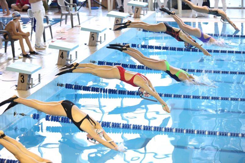 Nuoto pinnato il cus brilla a ravenna for Pinne x piscina